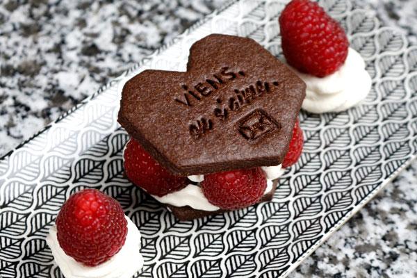 Dessert de Saint Valentin avec des biscuits personnalisés Marinette